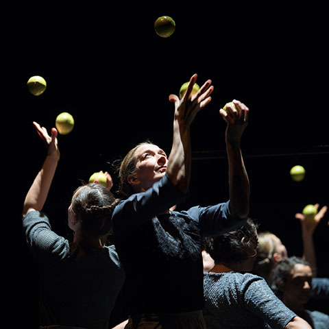Gandini Juggling  performs Sigma